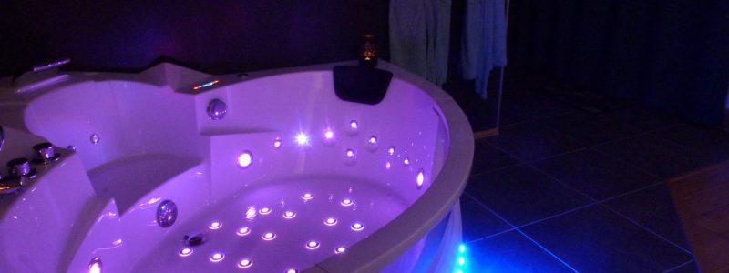 baignoire balnéo de la chambre du paon